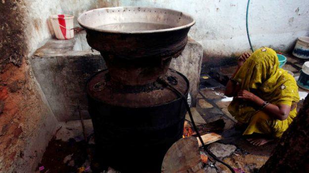 liquore al metanolo, strage festa india, Sicilia, Mondo