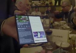 Mate X, il nuovo foldable di Huawei visto da vicino: come funziona Primo sguardo ravvicinato al nuovo pieghevole della casa cinese - Corriere Tv