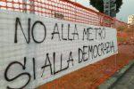 """Metro a Cosenza, il popolo del """"No"""" torna a manifestare in piazza"""