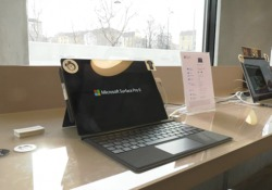 Il potente all-in-one pensato per i professionisti della creatività arriva nel nostro Paese (da 4.199 euro) insieme a Surface Pro 6 e Surface Laptop 2: li abbiamo provati in anteprima
