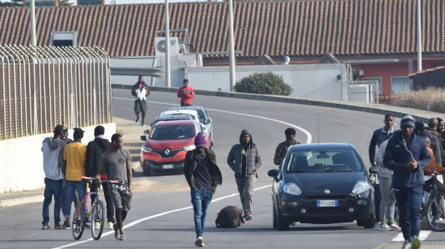migranti, Sicilia, Economia