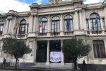 Ex Provincia di Messina, la protesta non si ferma: i dipendenti passano la notte a Palazzo dei Leoni