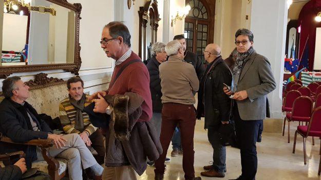 città metropolitana di messina, ferie forzate, vertenza lavoro ex provincia messina, Cateno De Luca, Messina, Sicilia, Politica