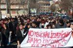 Riforma della scuola, studenti in piazza a Lamezia Terme - Foto