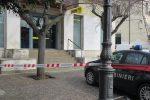 """Lamezia, rapina alle Poste di piazza """"5 dicembre"""": ladri fanno irruzione con pistola e mazza"""