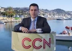 L'inviato speciale di CCN, Comedy Central News. Con la sua comicità racconta il disagio vissuto dagli ospiti stranieri bloccati a bordo di un barcone davanti al porto di Sanremo da oramai 21 giorni....