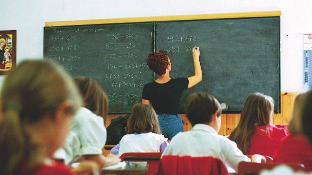 diplomati magistrali, gradutorie a esaurimento, scuola, Sicilia, Economia