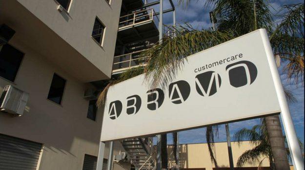 abramo customer care, Catanzaro, Calabria, Economia