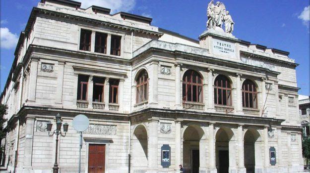 commissariamento, teatro vittorio emanuele, Messina, Sicilia, Cultura