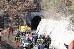Crolla un tunnel ferroviario nel sud della Francia, operaio bloccato tra le macerie