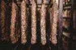 Salumi da Re svela salumeria top,appello AAA Cercasi Porcaro