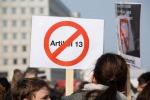 Germania: migliaia in piazza contro riforma copyright Ue