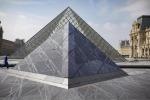 Compie 30 anni la Piramide del Louvre