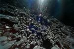 La superficie dell'asteroide Ryugu (fonte: JAXA)