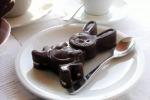 Canada: gaffe Trudeau,mangia cioccolata durante voto in aula