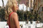Chiara Ferragni baciata dal sole della Sicilia, l'influencer a Siracusa per uno shooting