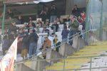 Cocimano festeggia il gol in tribuna con la mamma (foto Rocco Papandrea)