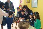"""Vendita di beneficenza a Messina, studenti in prima linea: """"Così facciamo del bene con poco"""""""