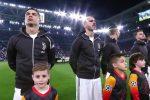 Bambino di Praia accompagna Ronaldo in campo nella gara della Juve in Champions