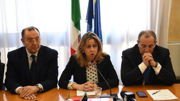 decreto calabria, sanità calabria, Giulia Grillo, Calabria, Politica