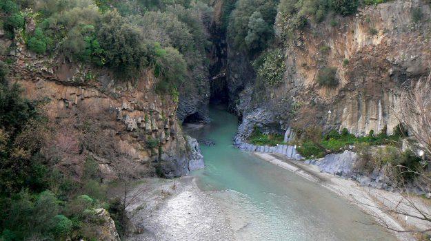disdette, gole dell'Alcantara chiuse, turismo, Claudio Bartucciotto, Messina, Sicilia, Economia