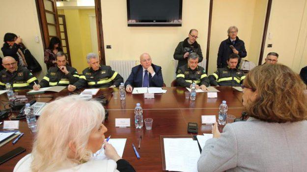 calabria, cosenza, incendi, Mario Oliverio, Cosenza, Calabria, Politica