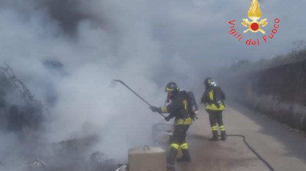 giovanni paolo ii, incendio rifiuti, lamezia, Catanzaro, Calabria, Cronaca