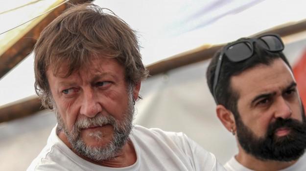 migranti, nave mare jonio, Luca Casarini, Sicilia, Cronaca