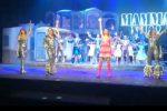 """Oltre dieci minuti di applausi e pubblico in piedi a ballare: il successo di """"Mamma Mia"""" a Messina"""