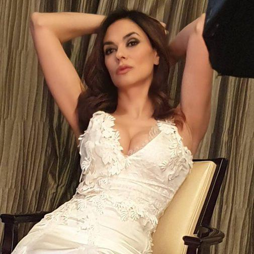 Maria Grazia Cucinotta Calendario.Maria Grazia Cucinotta Confessioni Hot Fare L Amore A 50