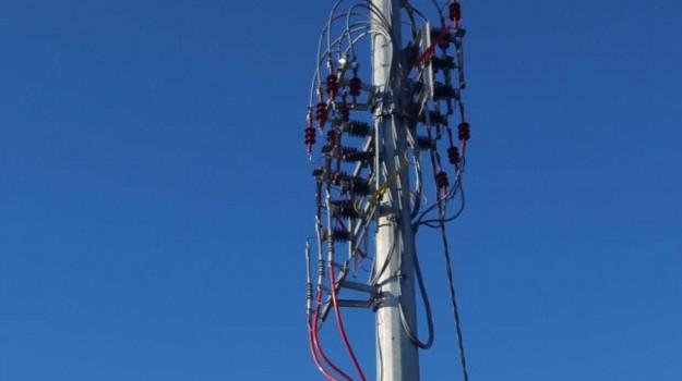 E-Distribuzione, efficienza della rete, enel, linea elettrica a Ricadi, Giovanni Simone, Catanzaro, Calabria, Economia