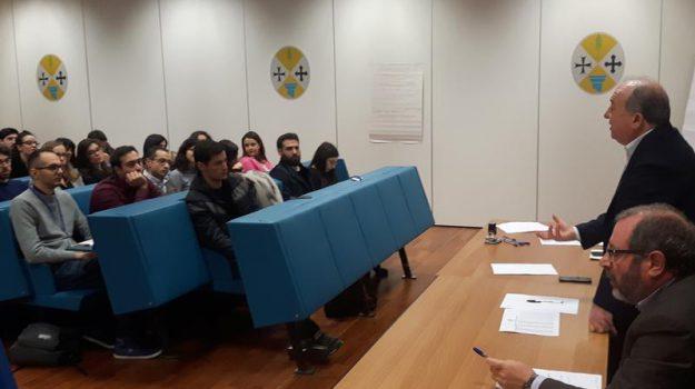 calabria, corso di formazione medicina, Calabria, Economia