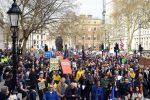 Un milione in piazza a Londra contro la Brexit, la protesta per rimanere nell'Ue