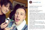 Foto con la codeina? Esplode sui social la polemica contro Francesco Mandelli e Shade