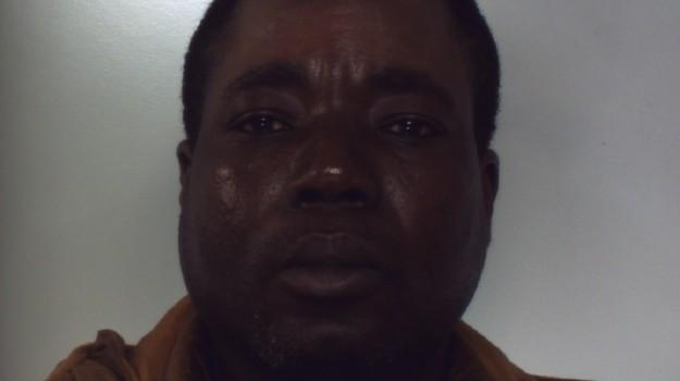 arresto ghanese, gioia tauro, Robert Yaw, Reggio, Calabria, Cronaca