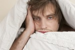 Dormire poco rovina la nostra socialità, ci rende meno inclini a stare con gli altri e genera anche messaggi di allontanamento per il prossimo