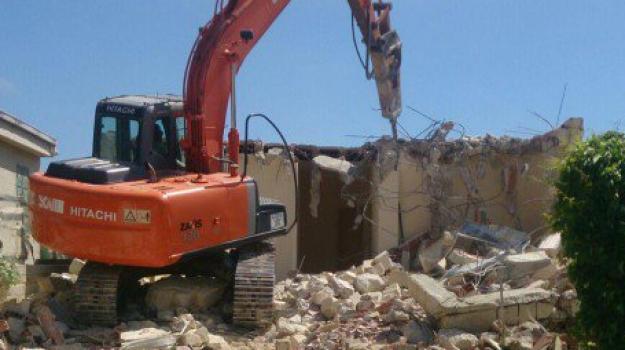 abusivismo edilizio Vibo, demolizioni Vibo, Catanzaro, Calabria, Cronaca