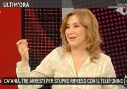 Agorà, la gaffe di Serena Bortone chiama «sbirro» un poliziotto Critiche per la giornalista dopo la puntata del 27 marzo scorso - LaPresse