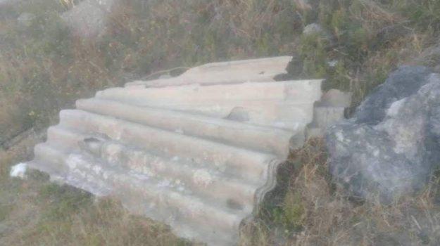 amianto paola, amianto spiaggia paola, lastre amianto, Cosenza, Calabria, Cronaca