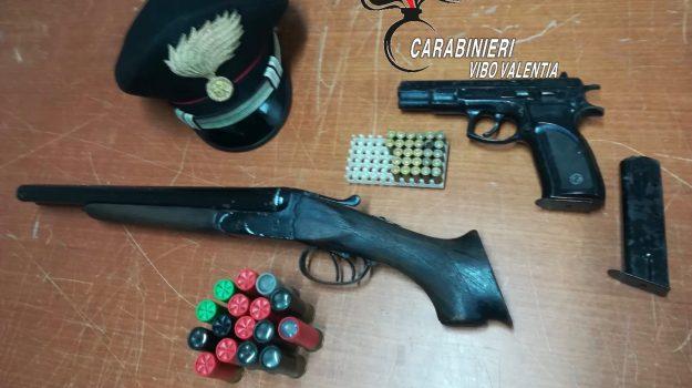 armi, armi calabria carabinieri, arresto carabinieri, Catanzaro, Calabria, Cronaca