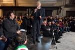 """Lamezia, centinaia in piazza per il sindaco sospeso Mascaro: """"Pugnalati alle spalle"""" - Foto"""