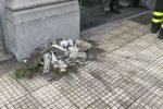 Crollo di calcinacci in centro a Messina: il video da via Consolato del Mare