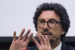 Toninelli in Sicilia tuona contro gli amministratori: utilizzati solo in parte i 440 milioni stanziati