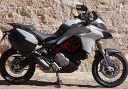 Ducati Multistrada 950 S: la prova In sella all'ultima nata della famiglia Multistrada. Potenza e guidabilità. Con una straordinaria dotazione - Corriere Tv