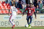 Al Cosenza il derby calabrese col Crotone, decide Embalo