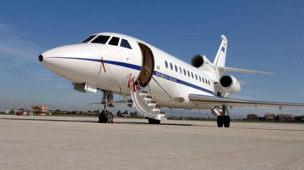 aeronautica militare, falcon 900, garante per l'infanzia, Antonio Marziale, Michele di Bari, Reggio, Calabria, Cronaca