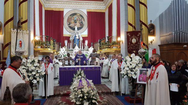 camaro superiore, funerali don cento, morto padre cento, Antonino Cento, Messina, Sicilia, Cronaca