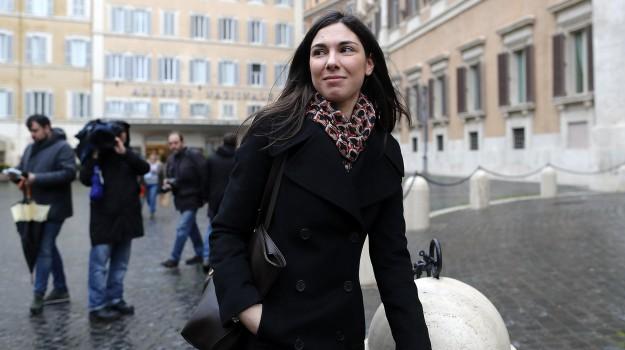 governo, politica, pornografia, Enrico Aimi, Galeazzo Bignami, Giulia Sarti, Sandra Savino, Sicilia, Politica
