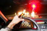 Al volante ubriaco, minaccia e aggredisce i poliziotti: un arresto a Catanzaro