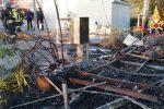 Incendio a una roulotte a Falerna, rischio per una bombola di gas